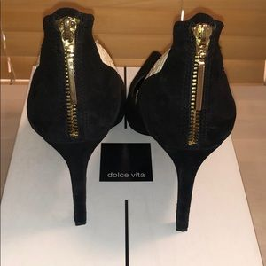 Dolce Vita Shoes - Dolce Vita blk suede with wht leather snakeskin